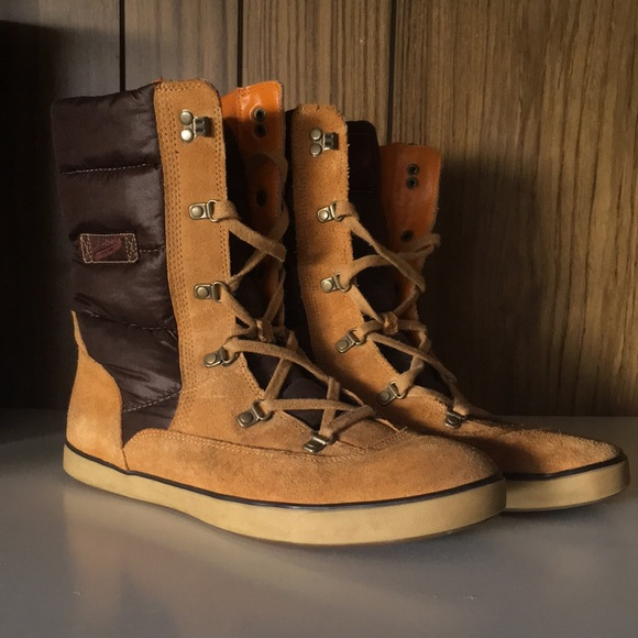 5cf0fe4a0a93 Timberland Deering Puff Leather Lace-up Boots. M 5ac6a0458af1c52e7c10c4de